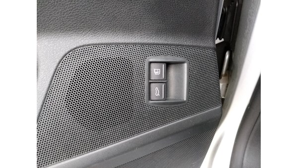 KONTAKT DIVERSE, VW PASSAT 3C (05-10)