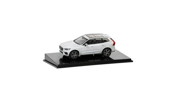 """Volvo XC60 Modelbil """"Crystal White"""""""
