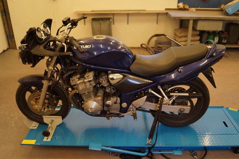 SUZUKI GSF 600 SUZUKI GSF 600 2002
