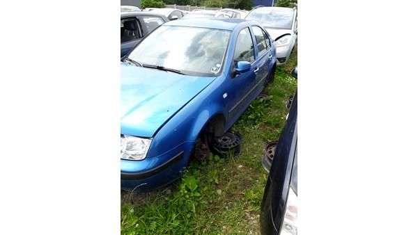 VW BORA  ÅRG 2000 KUN TIL RESERVEDELE