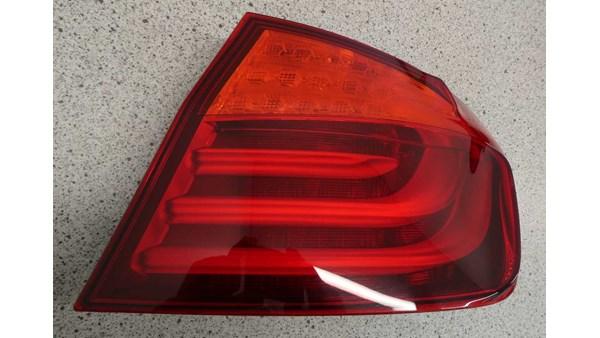 BAGLYGTE SEDAN, BMW 5 F10/F11 10>
