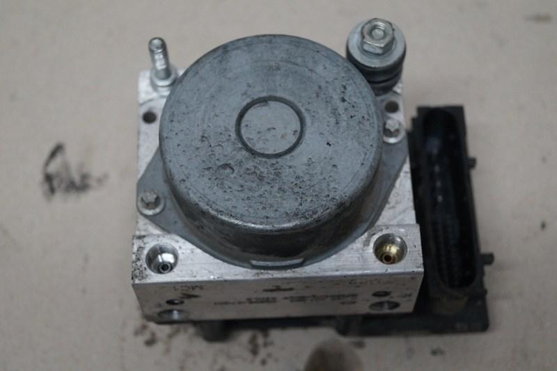 SUZUKI DL 650 V ABS PUMPE