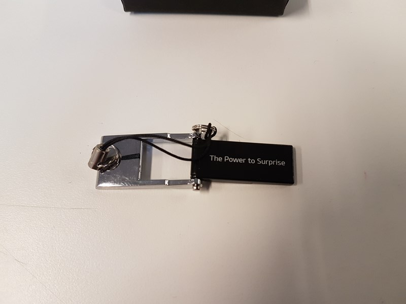 METZ 3 GB usb stick, med KIA Logo